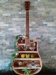 Gitarre Regal Orignelles Möbelstück Unikat