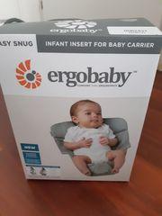 Babytrage Ergobaby mit Neugeboreneneinsatz
