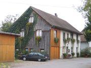 Höchst grosse Altbauwohnung in Zweifamilienhaus