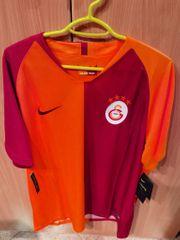 Galatasaray ORIGINAL trikot NEU MIT