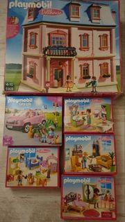 Romantisches Puppenhaus und Zubehör