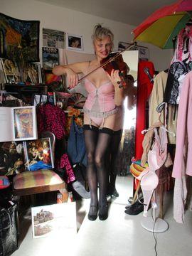 Sie sucht Ihn (Erotik) - französische madame sucht herrn