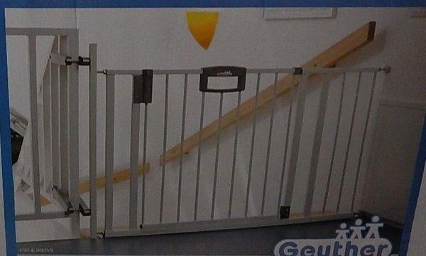 Absperrgitter für Treppenhaus