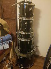 Schlagzeug zu verschenken