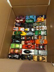 30 kleine Spielautos