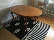 Schöner Holztisch aus Kirschholz wie