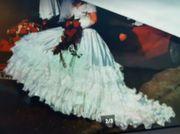 Hochzeitskleid aus erster