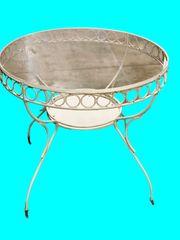 Gartentisch aus Eisen mit Glasplatte