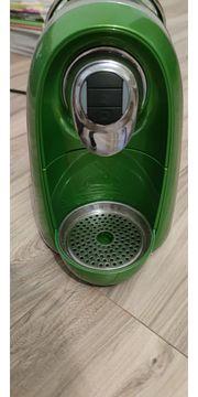 Kapsel-Kaffeemaschine grün metallig mit Kapselhalter