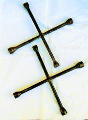 2 Radmuttern-Kreuze aus Schweden-Stahl etwa