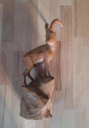 Holzschnitzfiguren