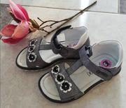 Süße Sandalen von Lasocki Größe