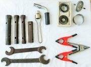 2 Werkzeug-Sammlungen und Geräte siehe