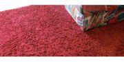 Wohnzimmerteppich - Weinroter Langflorteppich gebraucht - Wohnzimmerteppich