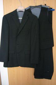 Dunkelgrauer Boss Anzug Größe 44