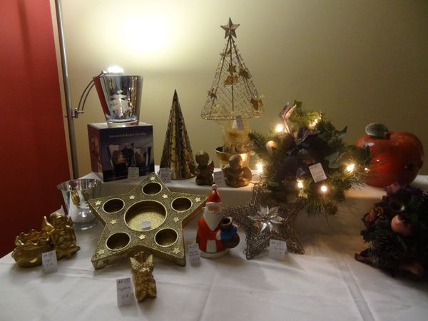 Weihnachtsdeko Verkaufen.Weihnachtsdeko Mühsam Zusammengesucht Für Den Innenbereich In