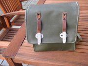 militärische Umhängetasche olivgrün Leder