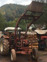 Traktor IHC 724 mit Verdeck