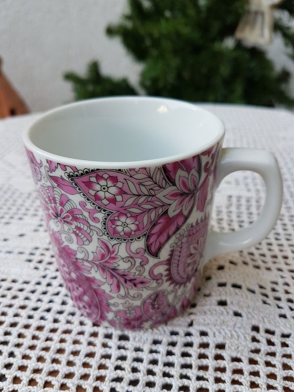 Porzellan-Kaffeebecher von Seltmann Weiden