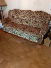 Couchgarnitur mit Couchtisch günstig abzugeben