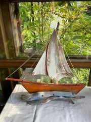 Holzsegelboot für Liebhaber
