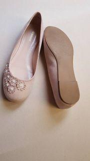 neue Ballerinas Größe 39
