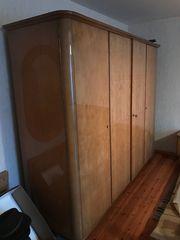 Schlafzimmer massiv Holz mit Glanzeffekt