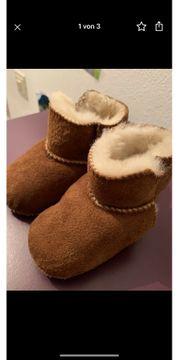 neue Lammfellschuhe und Handschuhe für