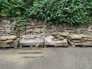 Antike handgeschlagene Sandsteinplatten Naturstein Weg