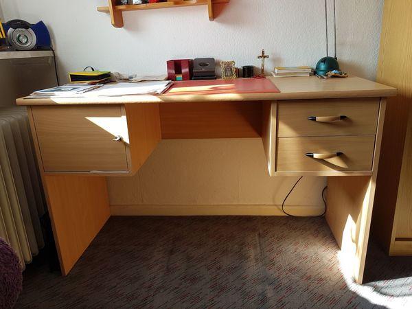 Schreibtisch Mit Abschliesbaren Fach U 2 Schubladen In Duisburg