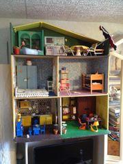 Puppenhaus aus Holz aus dem