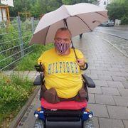 Rollstuhlfahrer vergibt Teilzeitstelle
