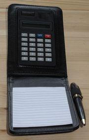 Lederblock schwarz inklusive Taschenrechner Solar