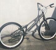 Trial Bike Fahrrad Marke YAABAA