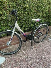 Schönes Mädchen Jugend Fahrrad Winora
