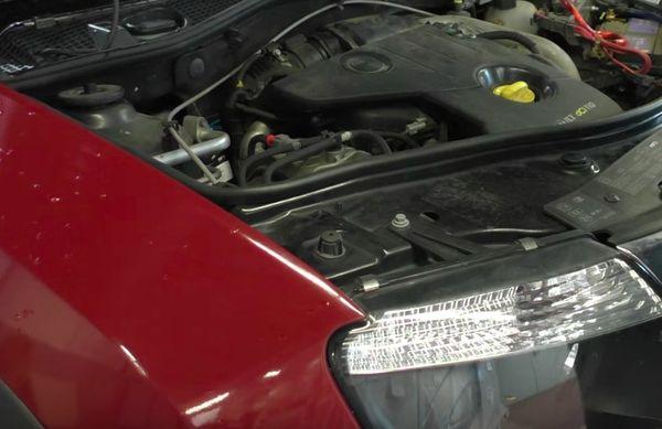 Nicht-justierbarer Motorhauben-Anschlag Renault Dacia 4x