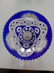 Wunderschöne Bleikristallschale mit blauen Überfang