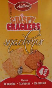 Große Mengen gesalzene Cracker Knabbergbäck