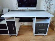 Schöner großer Schreibtisch - keine Billigware