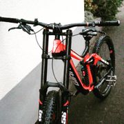 Giant glory 2 Downhill bike