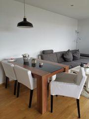 Esstisch mit viee Stühlen