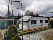 Wohnwagen mit festen isolierten Anbau