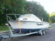 Kajütboot Motorboot Angelboot mit Strassentrailer