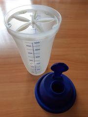 Tupperware mini Shaker
