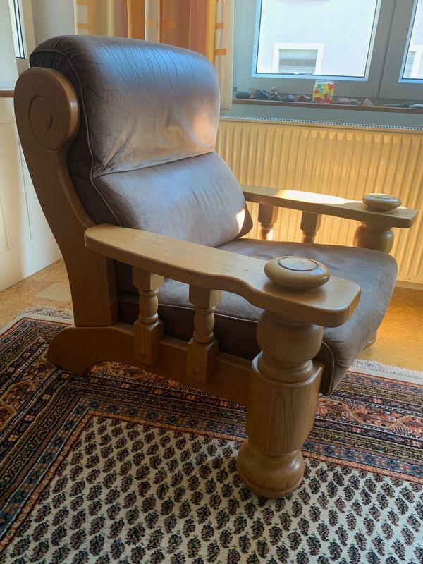 Sessel Sofas Tisch im rustikalen