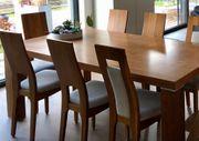 Esstisch mit 8 Stühlen und
