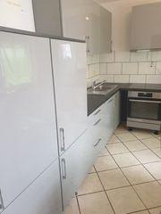 wunderschöne Graue Hochglanz Küche inklusive