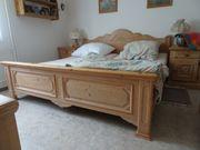 Massivholz-Schlafzimmer im Landhausstil