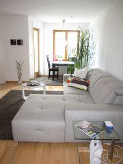 Wunderschönes Sofa mit Ottomane