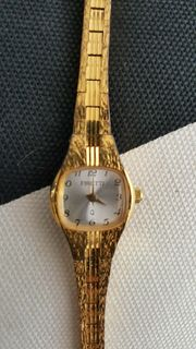 Vintage Oma s goldenes Ührchen